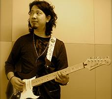 エレキギター坂本講師