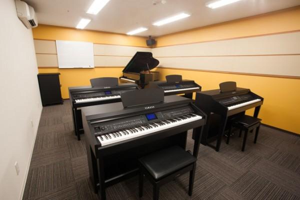 なんばピアノレッスンルーム